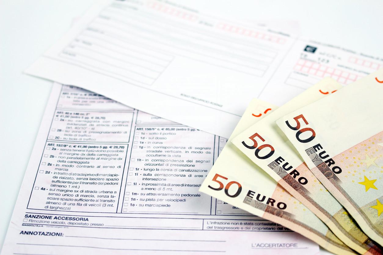 Pagamos más multas en España que en Europa