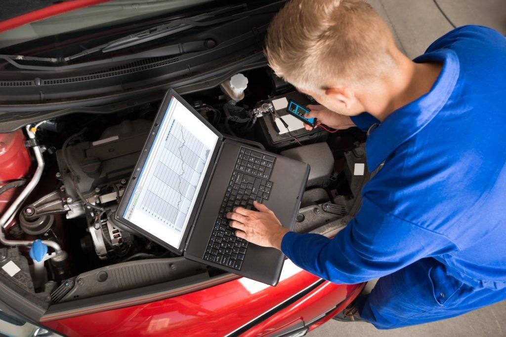 reprogramando electrónica del coche