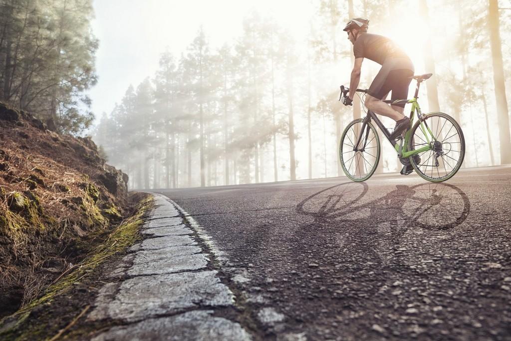 Carretera y ciclistas
