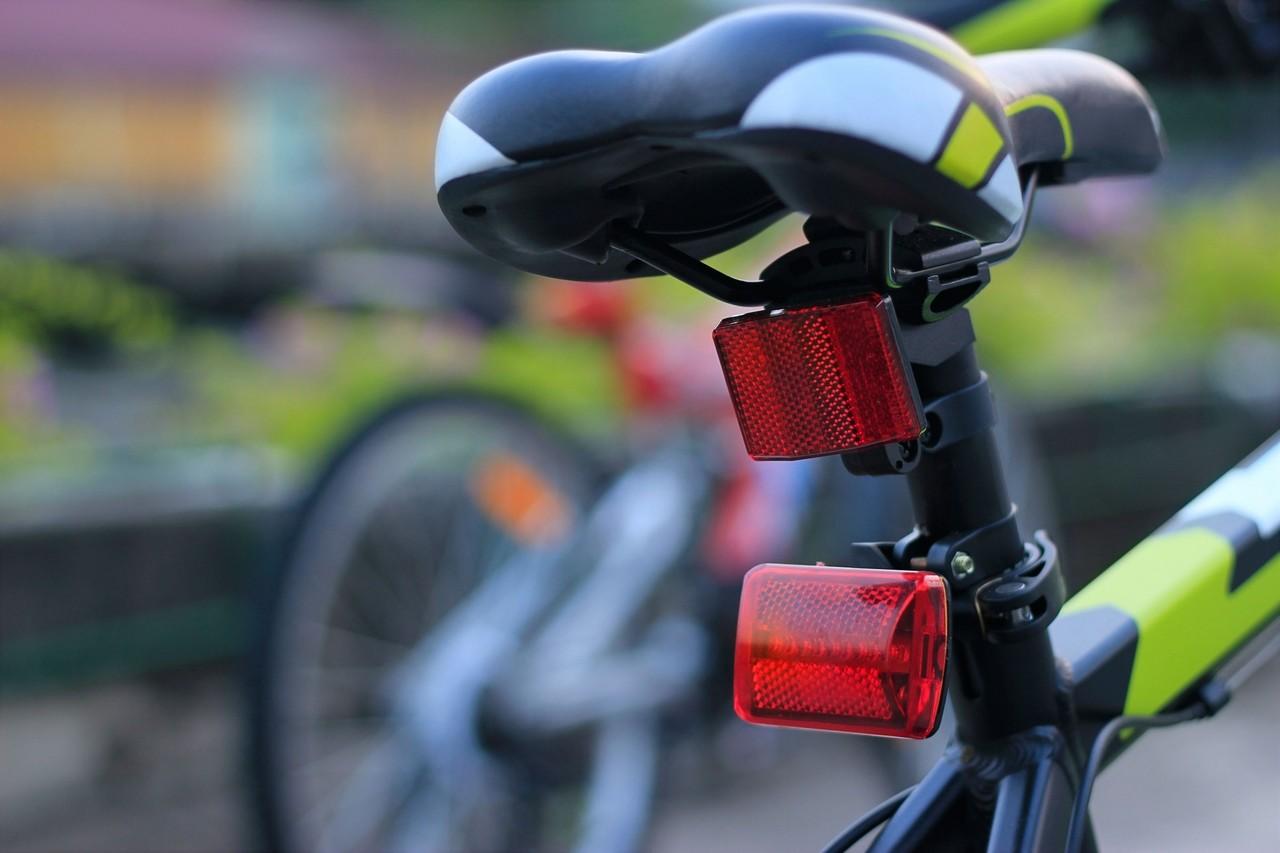 Luces parpadeantes en bicicleta