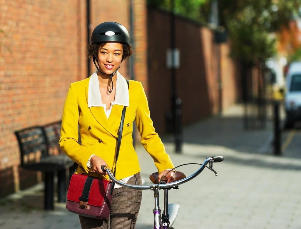 Uso del casco en ciudad