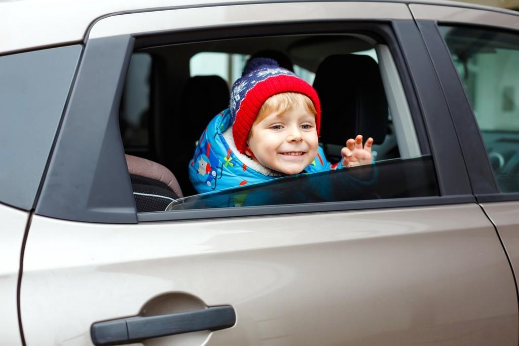 abrigo ninos en coche