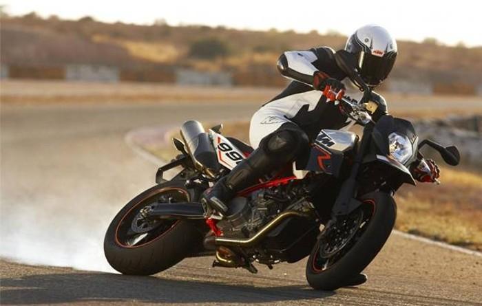 Motos e curvas - A posição no motociclo