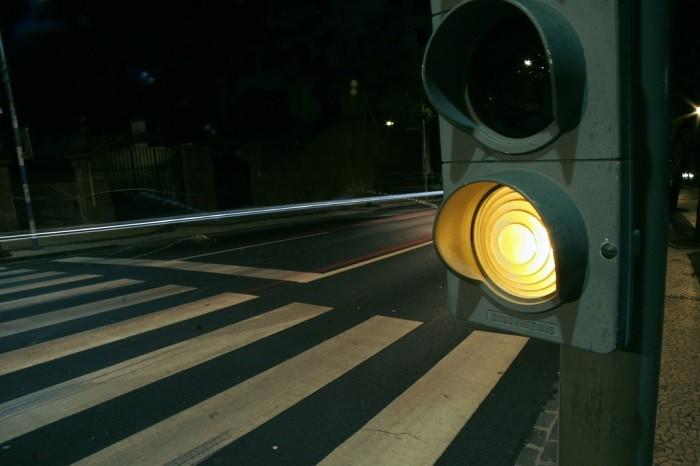 passadeira iluminada