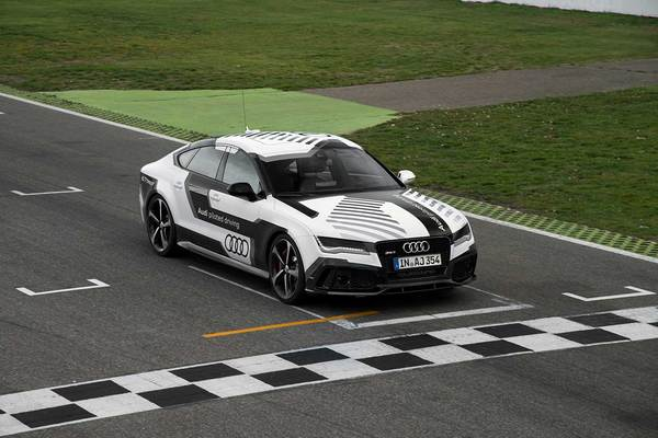 audi_rs7_sportback_piloted_driving_concept_finish_line__large