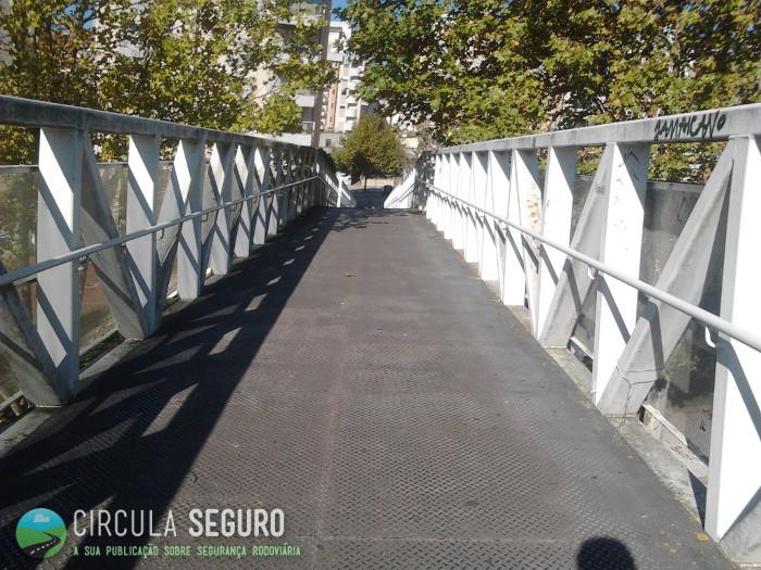 Passagem para peões segura na cidade de Coimbra