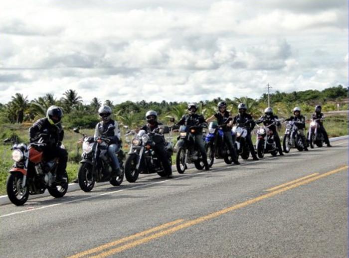 Gosta de passear de moto?