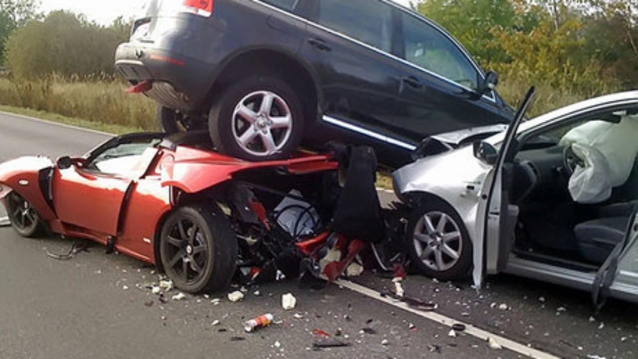 Acidentes com carros antigos