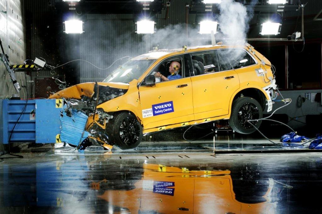 Volvo XC90, Travagem de Emergência Autónoma