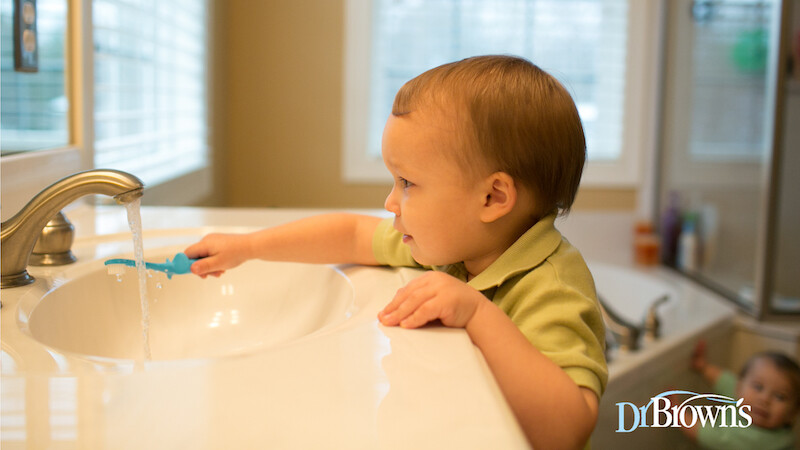 La higiene bucodental del bebé: cuándo y cómo empezar con ella para crear una rutina duradera