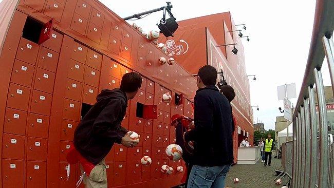 Locker Wall ING