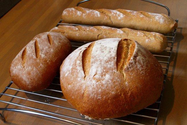 El IVA del pan se mantiene al 4 %