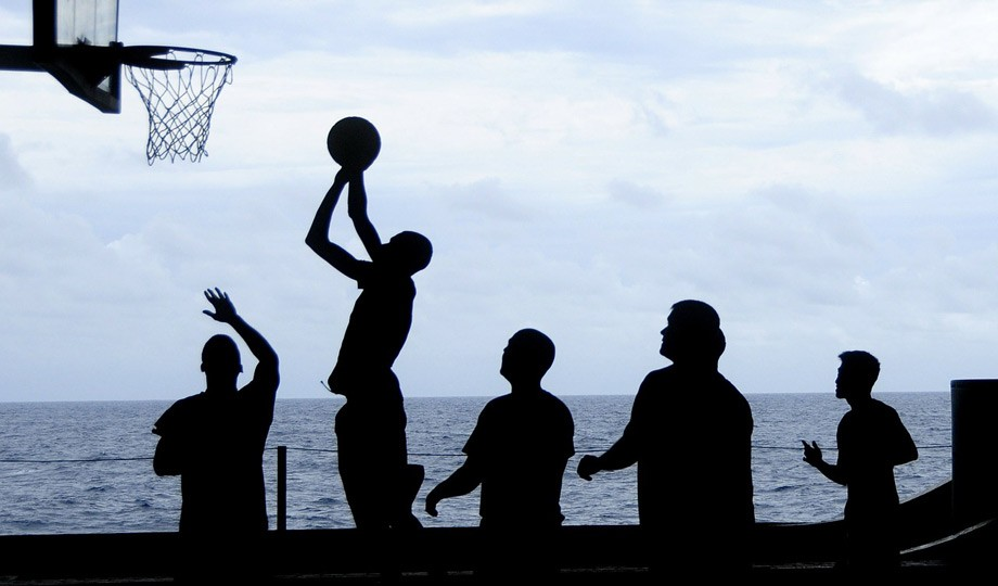 Siete deportes para ponerte en forma sin pisar el gimnasio for Gimnasio one
