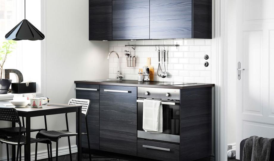 Media docena de ideas para conseguir que tu cocina parezca - Cambiar azulejos cocina sin obra ...
