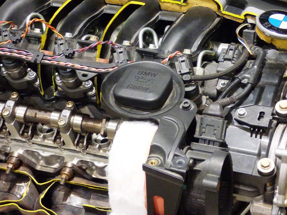Tapón de aceite en motor BMW