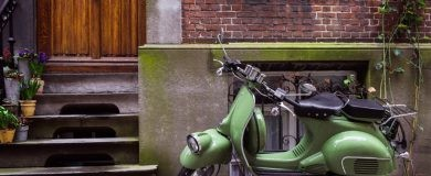 comprar una motohttps://img.blogs.es/ennaranja/wp-content/uploads/2016/08/motoverano1-390x160.jpg
