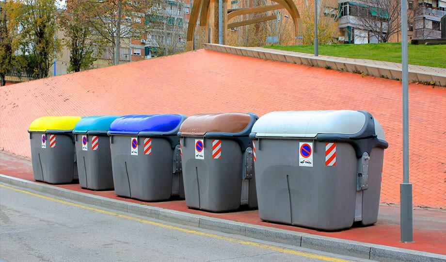 dia-mundial-del-reciclaje-contenedores