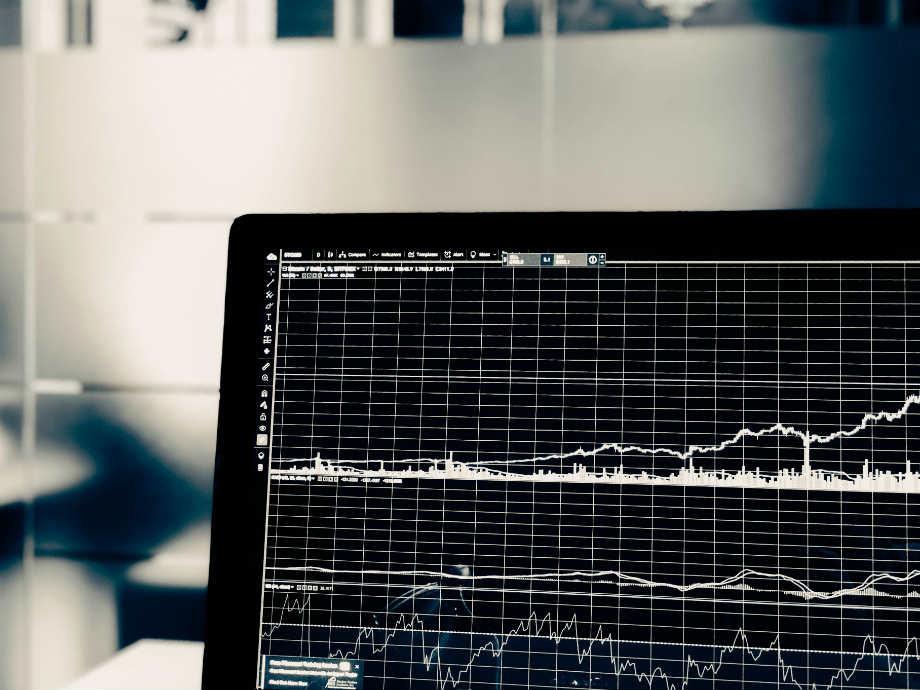 Cómo aprovechar el riesgo divisa al invertir