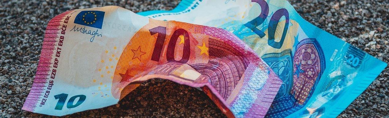 el sesgo del dinero caído del cielo