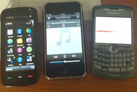 Nokia 5880 con iPhone y blackberry