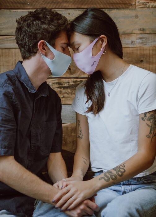 relaciones sexuales y coronavirus riesgos