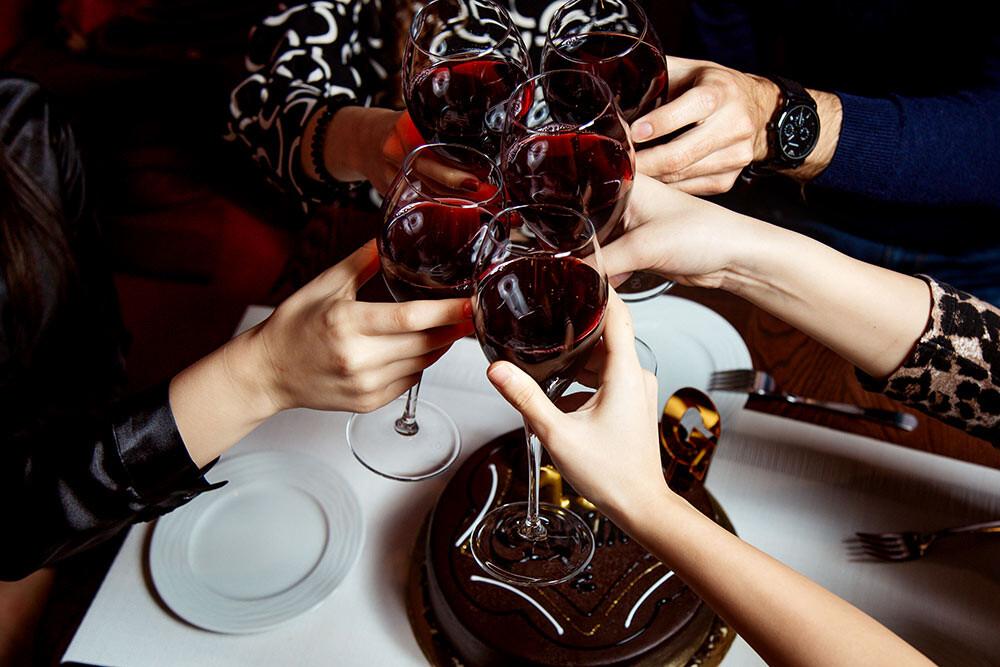 Postres para seguir degustando con tu vino tinto favorito