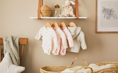 En el cambiador de un recién nacido: kit de prendas imprescindibles y cómo elegirlas