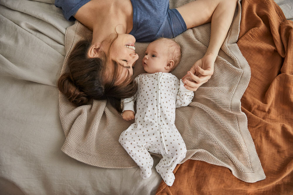 Comer y dormir, toda una aventura para el bebé: consejos para padres