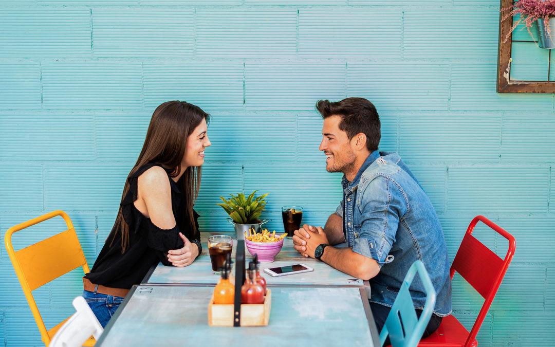 ¿Son las apps para ligar y divertirse con gente nueva la evolución de las relaciones personales?
