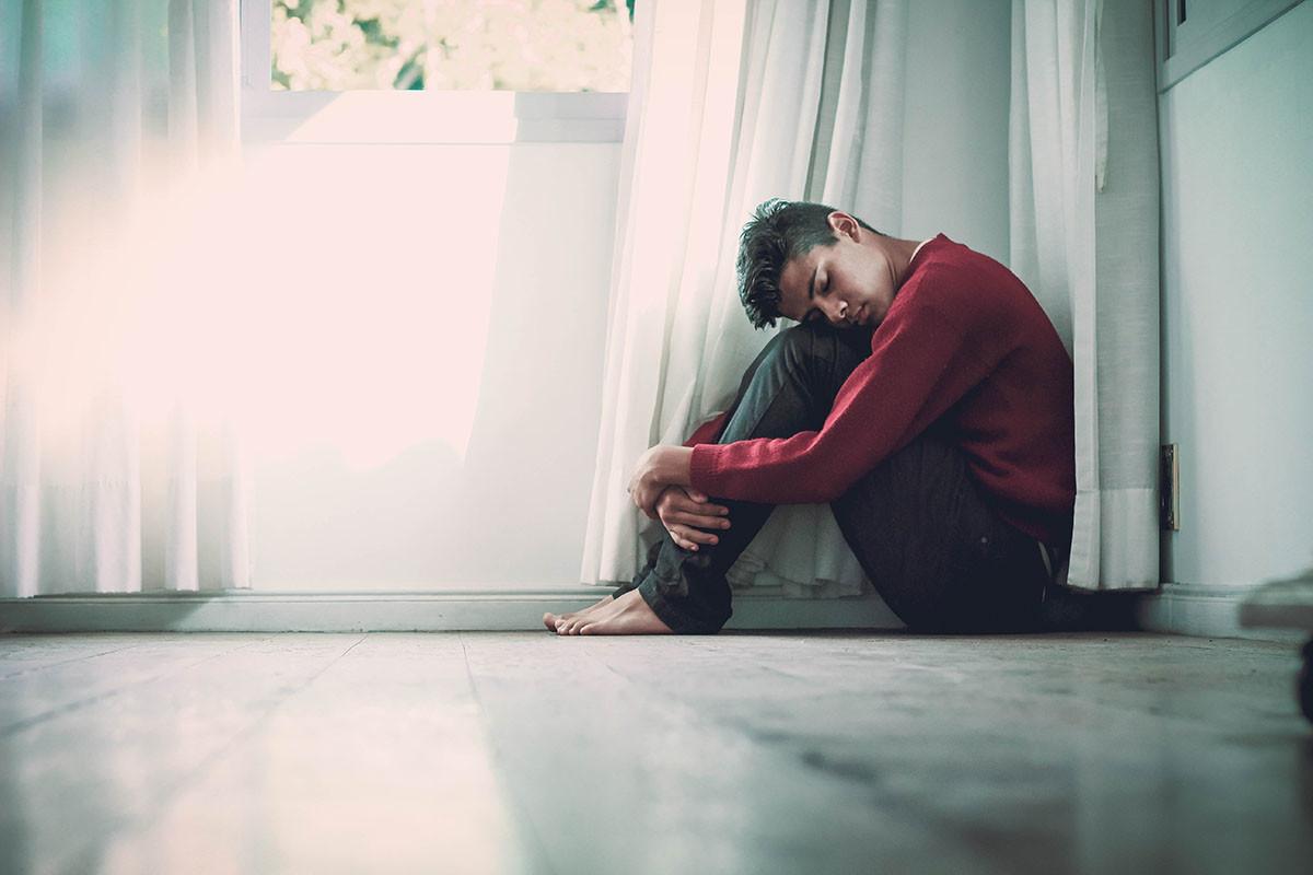 Entre los riesgos del confinamiento están la soledad, el estrés o la ansiedad.
