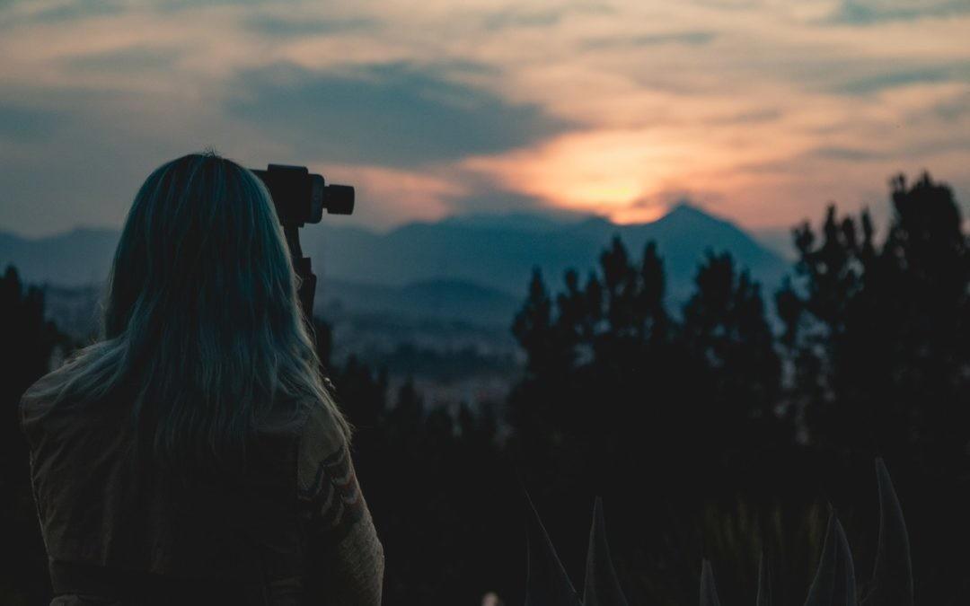 ¿Puede la inteligencia artificial de un móvil sacar fotografías como un profesional? (vídeo)