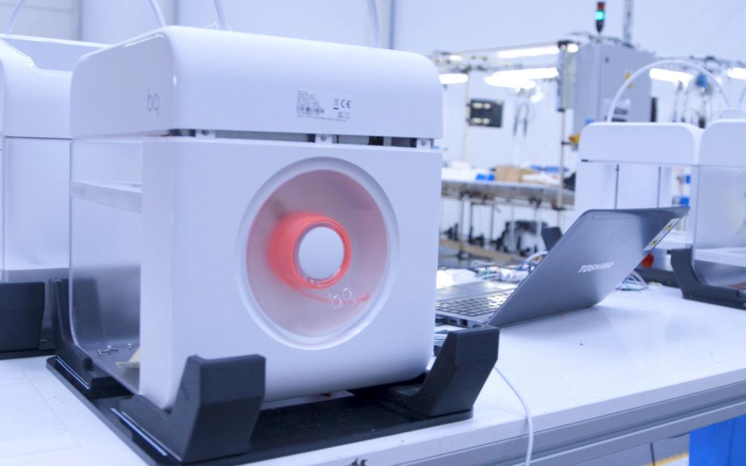Así se construye una impresora 3D (y no, no es con otras impresoras 3D)