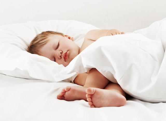 De la cuna a su cama: cuándo es el mejor momento y cómo hacer la transición