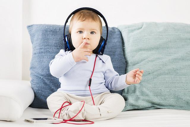 11 beneficios de la música en el desarrollo de tu bebé que le acompañarán siempre