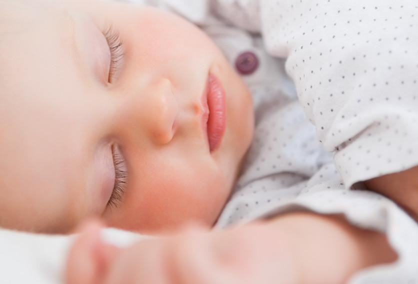 El poder de cantar nanas para relajar a tu bebé