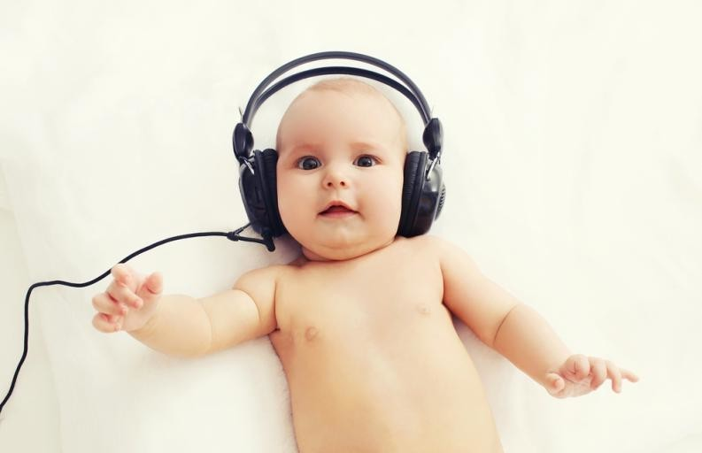 ¿Has oído eso? Los estímulos sonoros son claves para el desarrollo del lenguaje del bebé