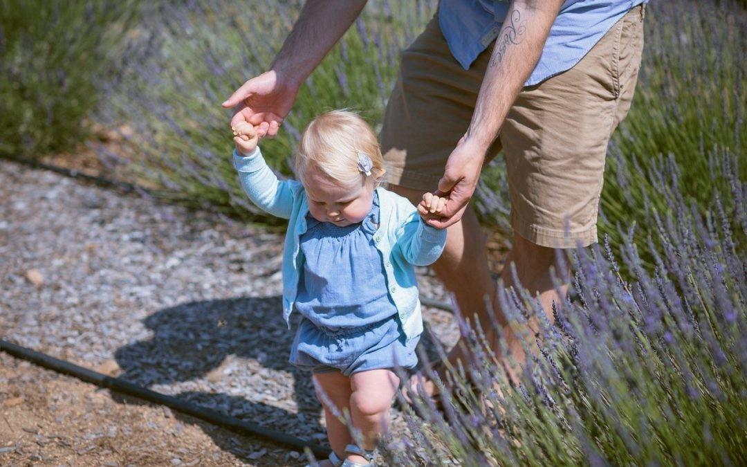 Dale un punto de apoyo a tu bebé… ¡y se moverá por el mundo!