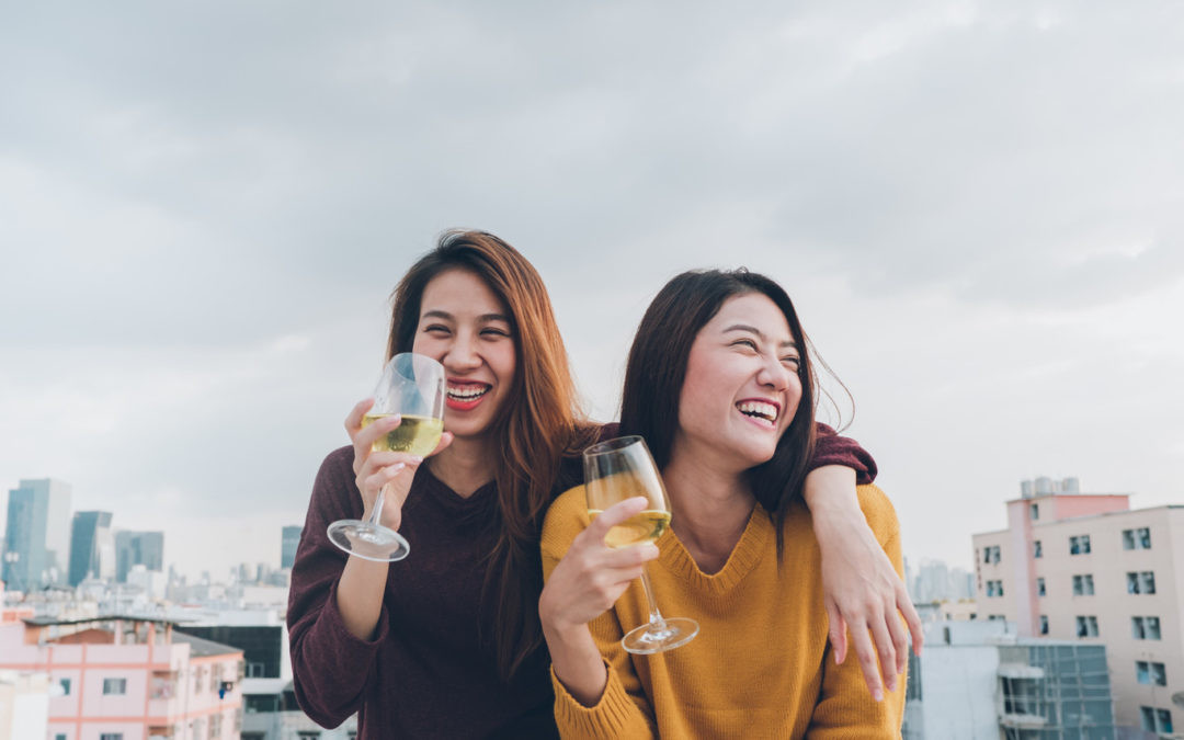 Cómo organizar una cata de vinos en casa y sorprender a tus amigos