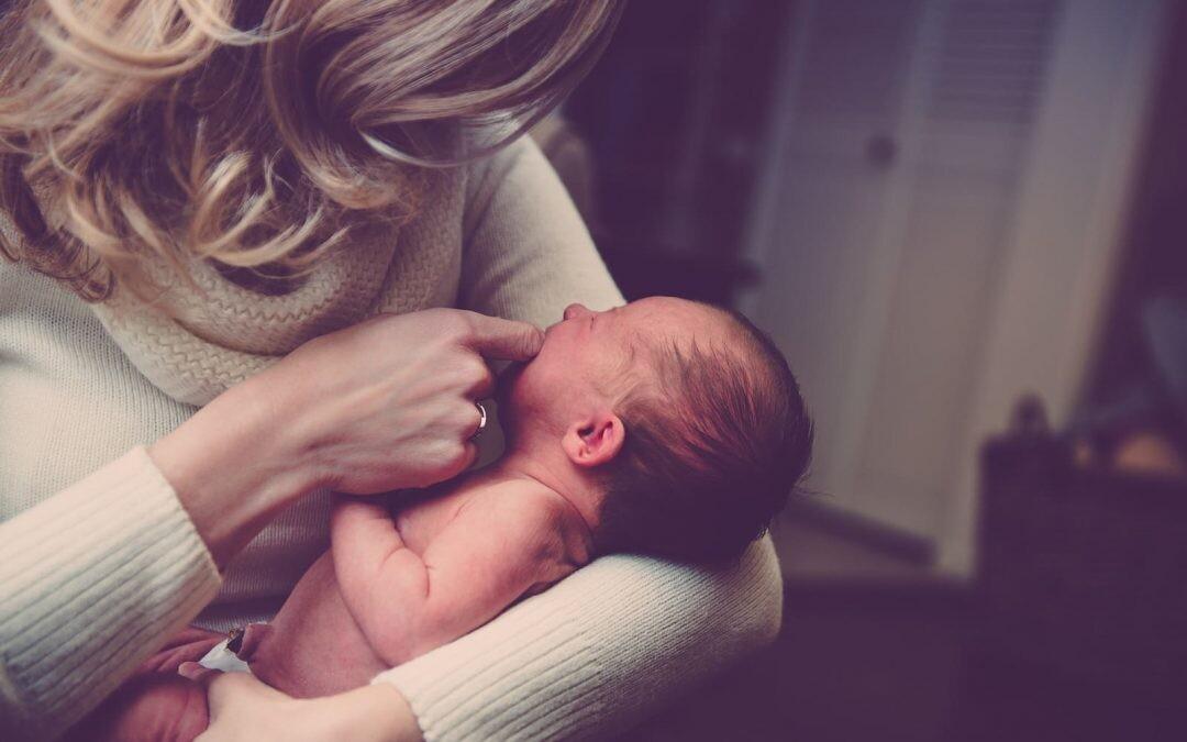 ¿Cómo saber si tu bebé está empezando su proceso de dentición? Siete síntomas inconfundibles