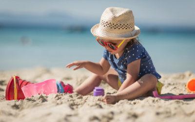 Cómo proteger la piel de nuestro bebé del sol (durante todo el año)