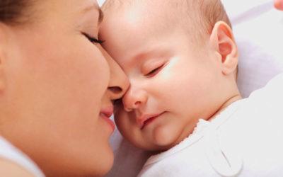 Por qué el olor de nuestro bebé hace que nuestro cerebro tire fuegos artificiales