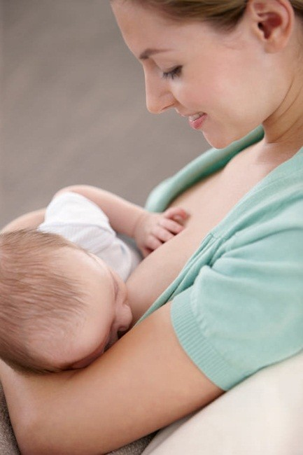 Breastfeeding_05-L