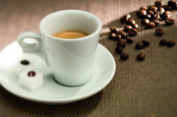 espresso_ceramic_cup_beans