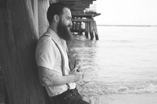Lord Jack Knife también cuida su barba en verano