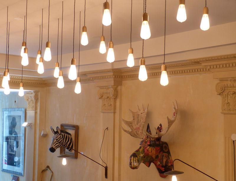 Tres consejos b sicos para decorar con una bombilla - Focos de pared interior ...