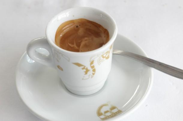 café bueno para el hígado