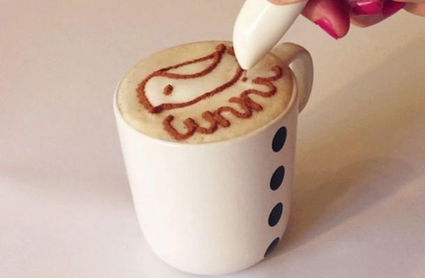 dibuja sobre la espuma de tu café