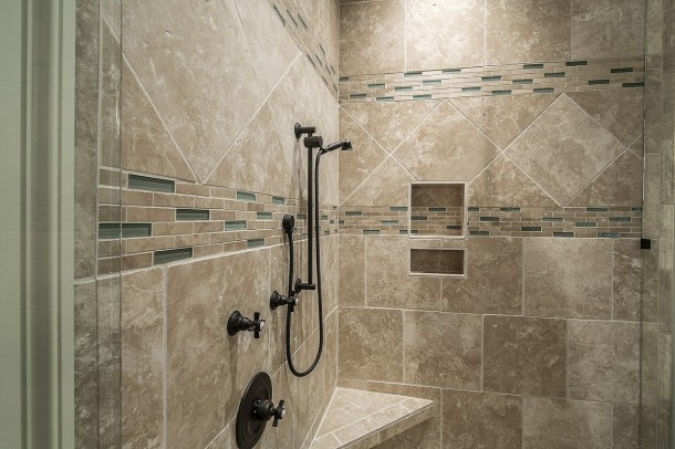 shower-389273_1280