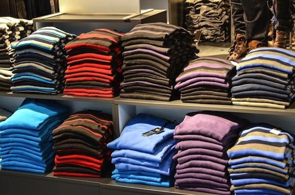 sweaters-428626_1280