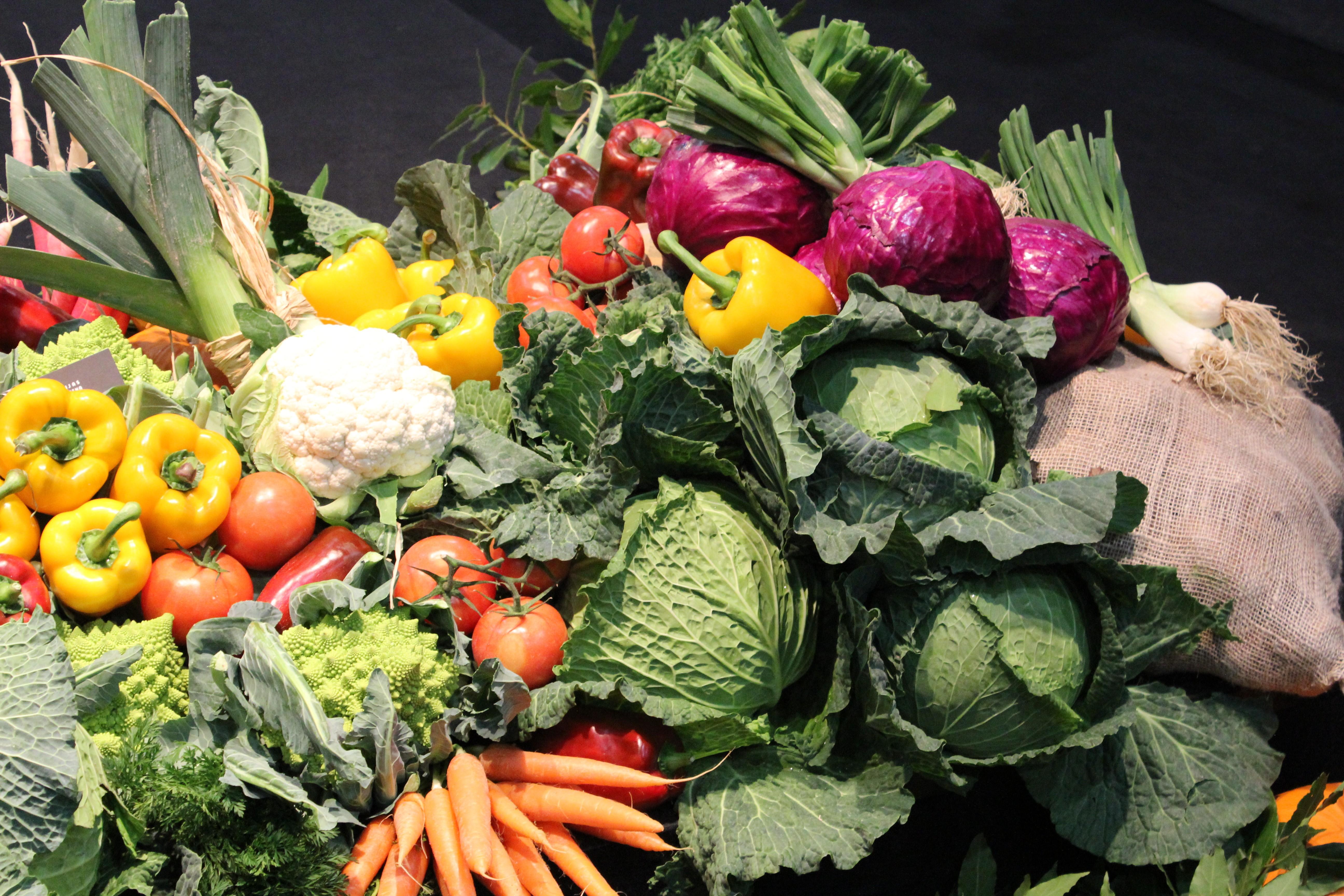 Nueve trucos para cocinar verduras que te vendr n bien for Que cocinar para invitados